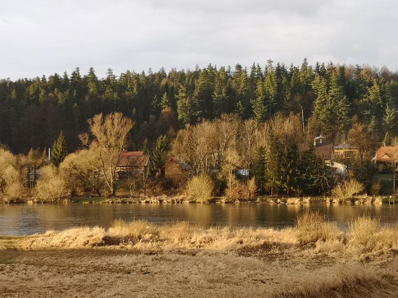 Widok na rzekę.